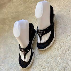Guess Tong Sandals